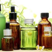 3 Effective Ways to Use Essential Oils to Improve Health