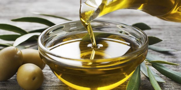 olive-oil-for-hair-growth.jpg