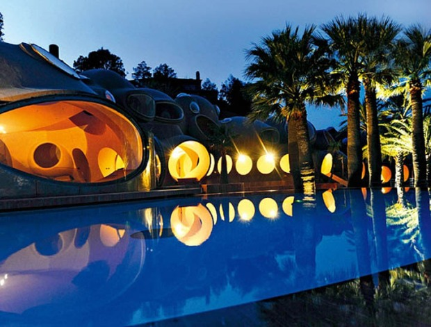 palais-bulles-palace-of-bubbles-pierre-cardin-house-antti-lovag-cannes-25