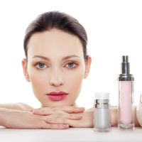 Top 10 Skincare Products That Beauty Bloggers Swear By