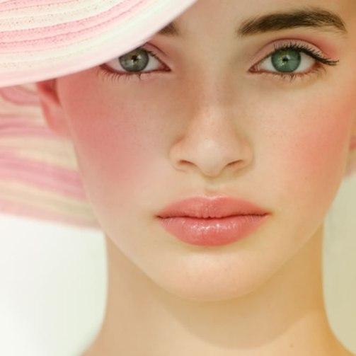 using-blushes