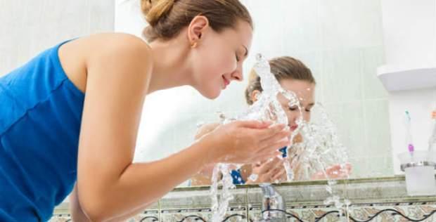 washing-face-sink