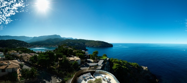 20. jumeirah_port_soller_hotel_spa_-_beautiful_location.jpg