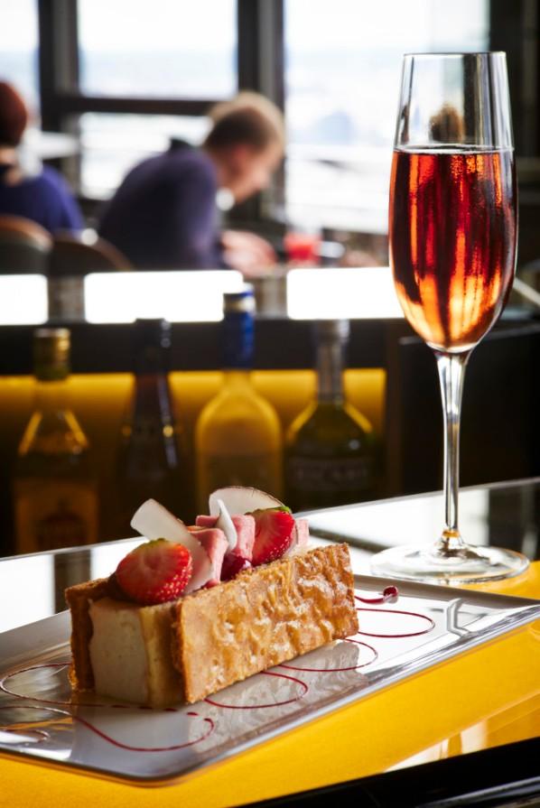 Bars à champagne Ciel de Paris Août 2014